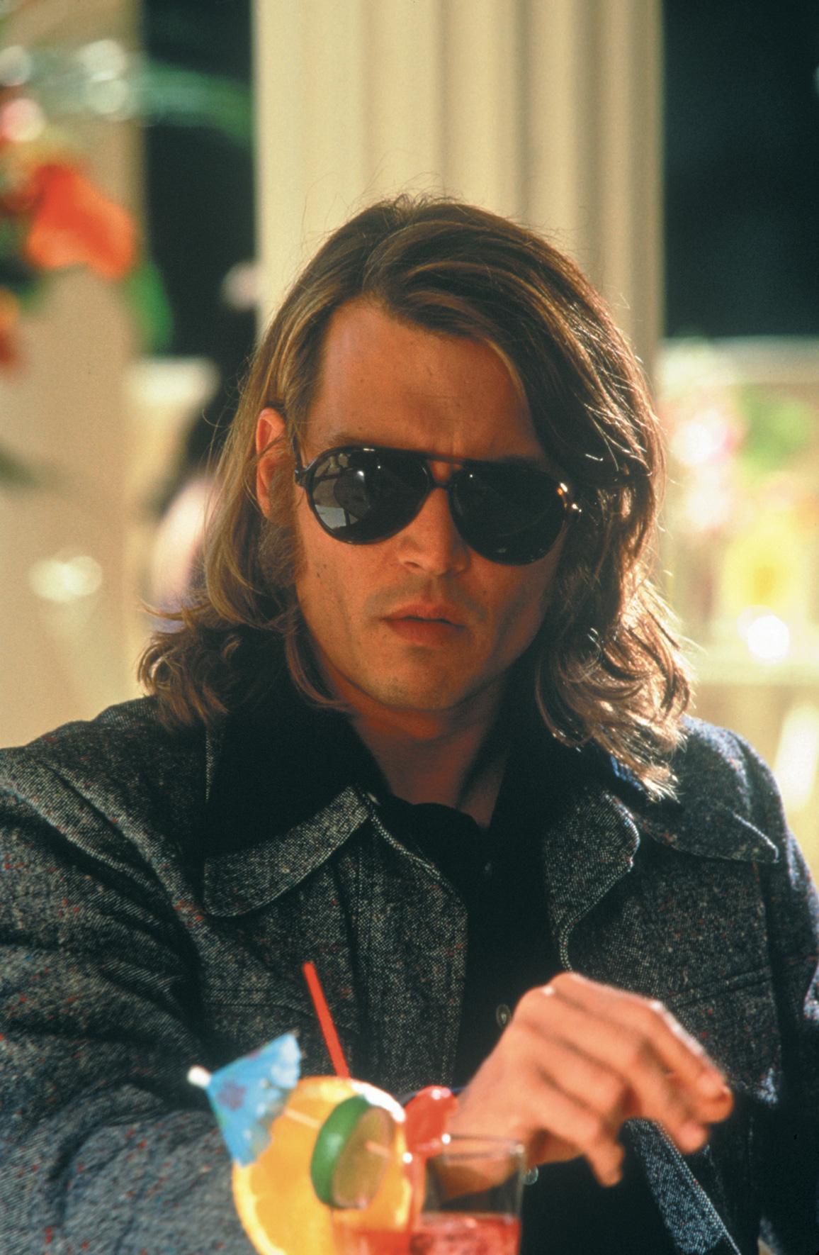 Pillola da 2:51, Estratta dal film Blow, del 2001. Blow è stato diretto da Ted Demme. La storia è basata su un romanzo di Bruce Porter su George Jung, un trafficante…